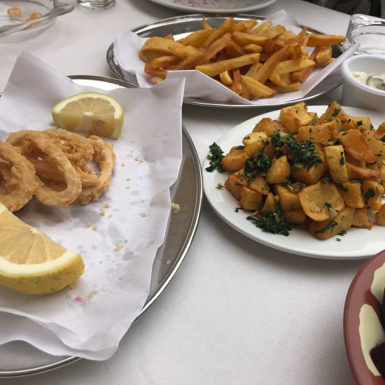 Al Mina Seafood Restaurant, Tabarja - Restaurant Reviews, Photos