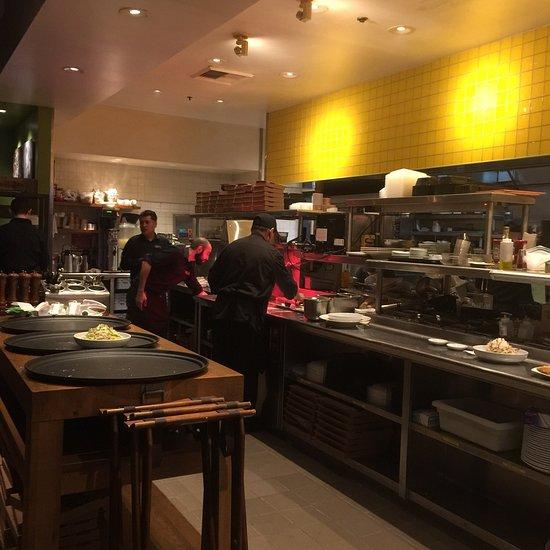 California Pizza Kitchen, Mission Viejo - 25513 Marguerite ...