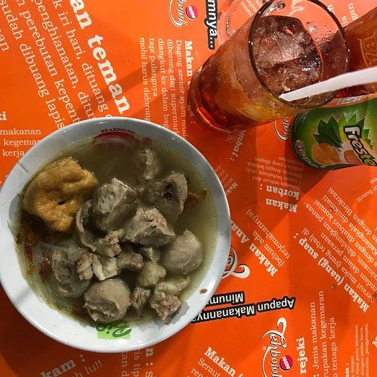 Bakso Dan Mie Pangsit Wardoyo Balikpapan Restaurant Reviews Photos Tripadvisor