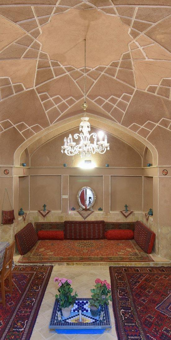 Negin Hotel Ardebil -アルダビ...
