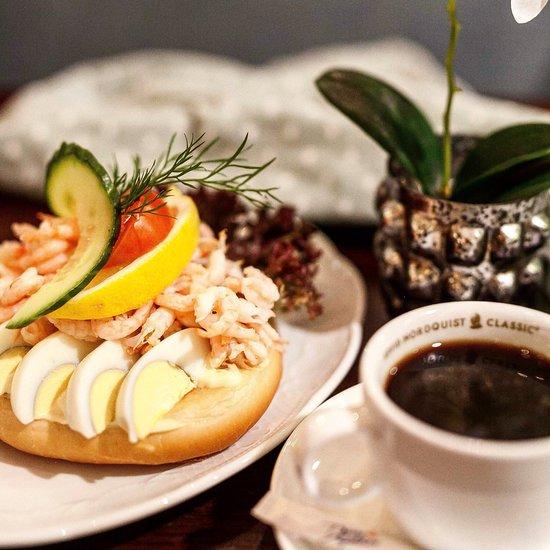 Cafe Charm
