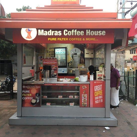 Artnlight Madras Terrace House Chennai: Madras Coffee House, Chennai