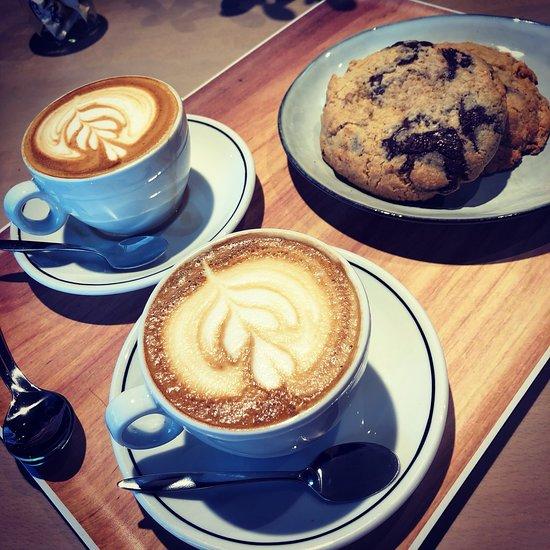 MaxiCoffee Coffee Shop & Store, La Teste-de-Buch ...