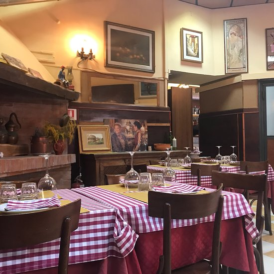 Cucina Verde Bottiglia, Rom - San Lorenzo - Restaurant ...