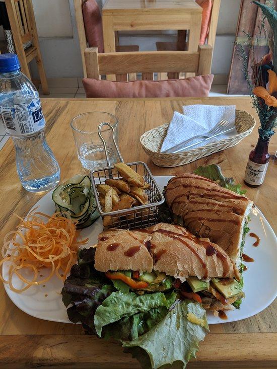 zumo food drink banos omd men om restauranger ForPatakha Bano Food Mat