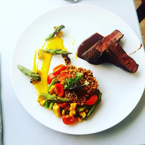 Fine Dining: Serenity Tearoom & Fine Dining, Frederick