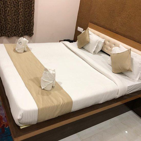 OYO 9909 The Saad Hotel