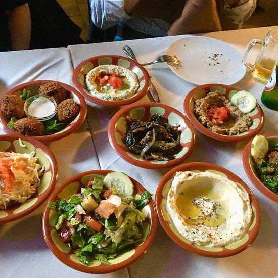 Phoenicia san donato milanese ristorante recensioni for Cucina libanese