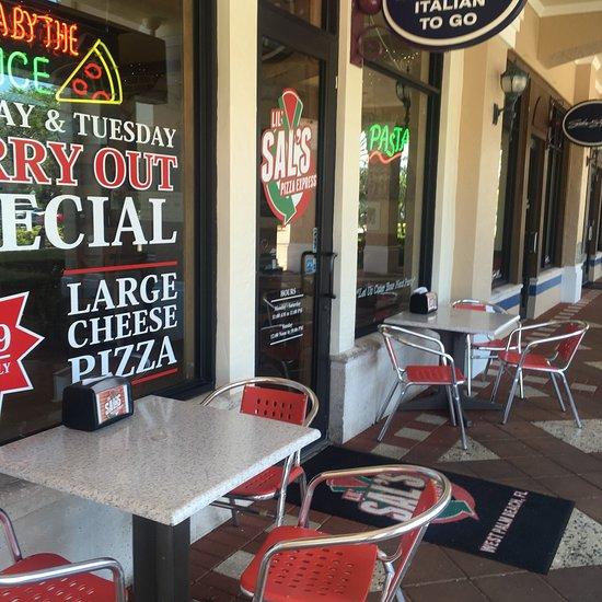 lugar muy limpio facil - Domino's Pizza Palm Beach Gardens Fl