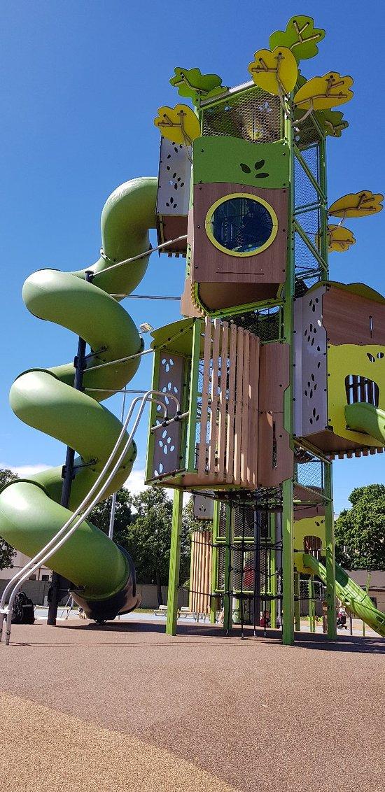 Center Sport Playground