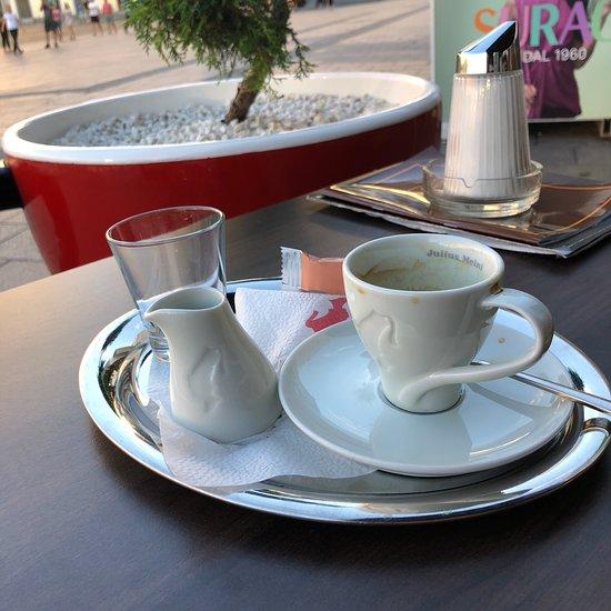 glockenspiel cafe