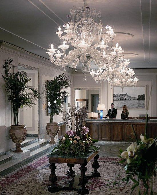 グランド ホテル ヴェズヴィオ