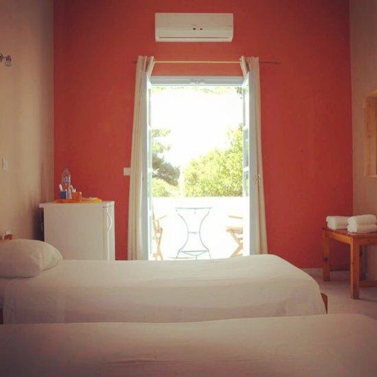 Giannakis Rooms