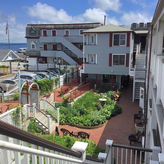 Martha's Vineyard Surfside Hotel