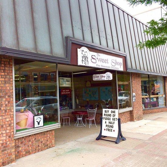 Restaurant Reviews & Photos