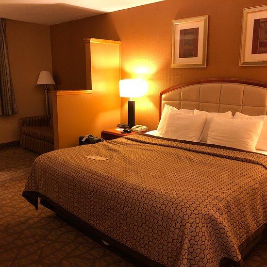 Days Inn & Suites by Wyndham Richfield