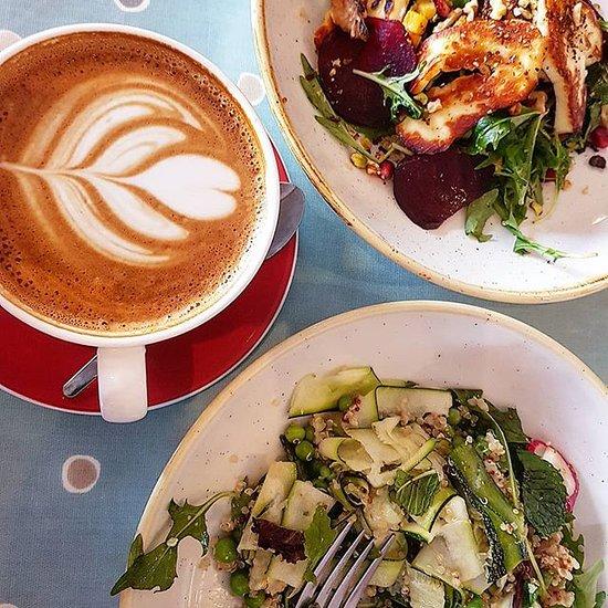 Lunch date - Review of Cians on Bridge Street, Westport, Ireland