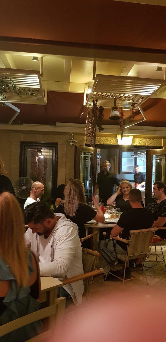 La cucina italiana gialova restaurant reviews phone for La cucina italiana
