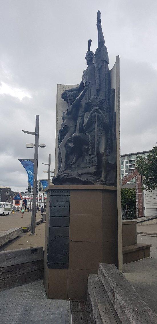 Kupe Statue