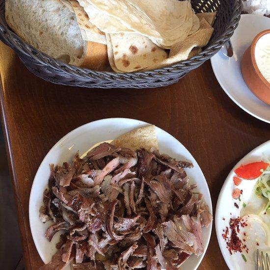 yunus cag kebap kemalpasa restaurant