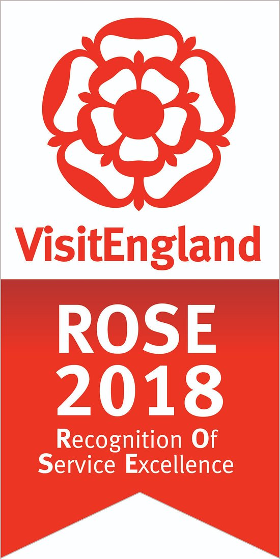 Wallops Wood Cottages wins prestigious ROSE Award for Service Excellence