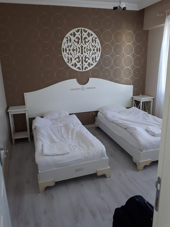 Room Room Motel