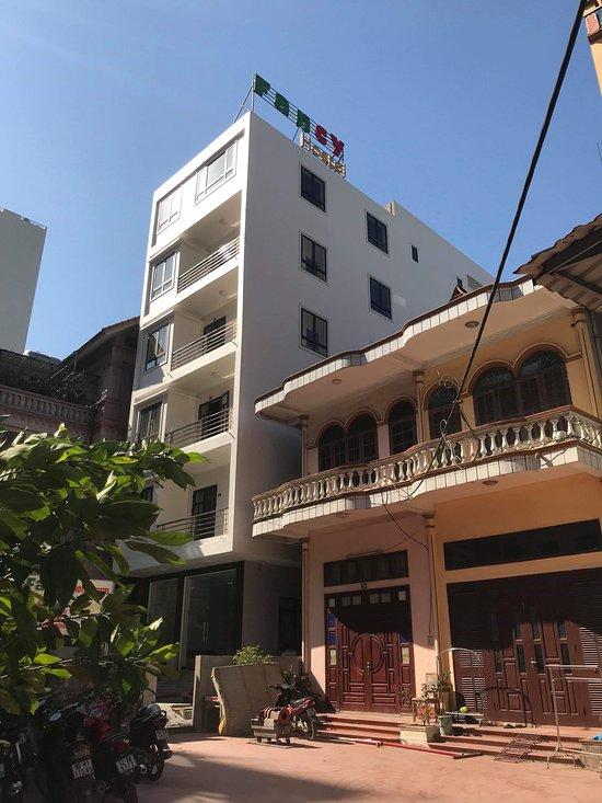 Halong Fancy Hotel & Hostel