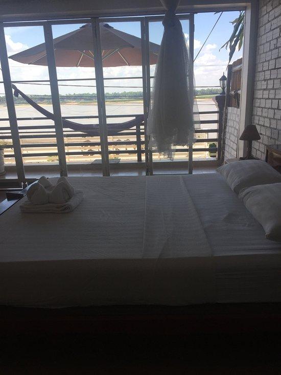 Balcony Pizza Bar Restaurant & Guesthouse