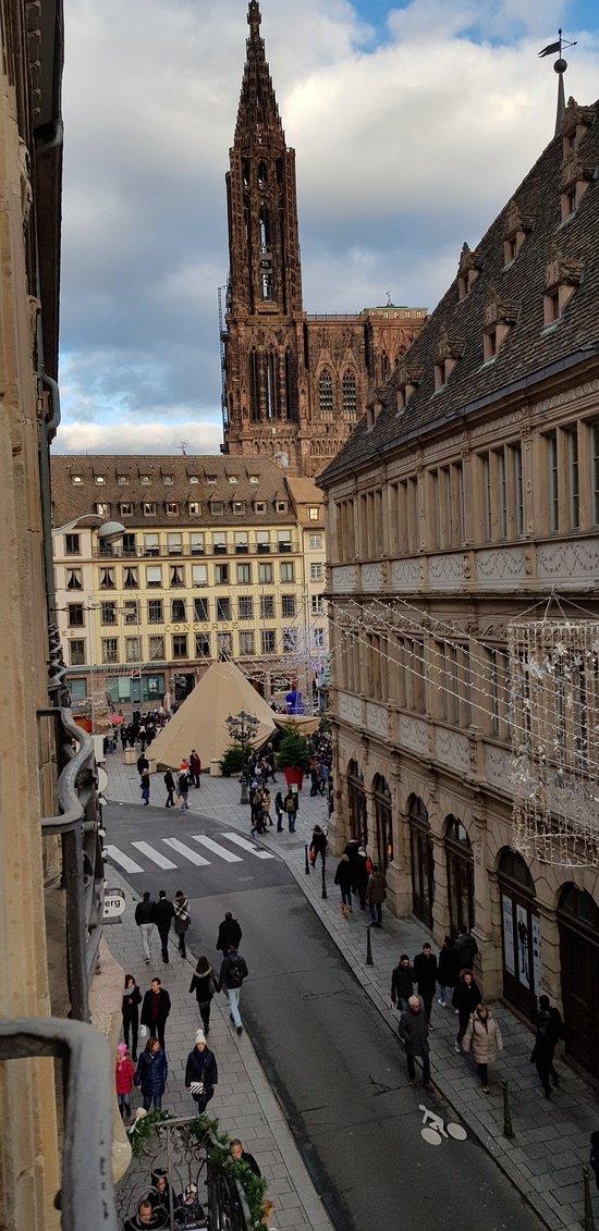 Hotel Gutenberg-Straßburg: Blick aus unserem Fenster 2. Stock.