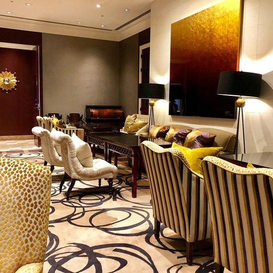 素敵な空間で最高のおもてなしで向かい入れてくれる「ホテル日航金沢ロビーラウンジ ファウンテン」