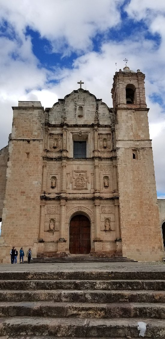 Templo y convento de Sta. Domingo de Guzman