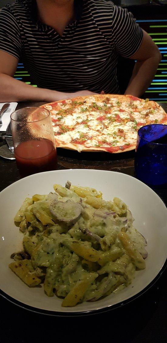 Pizza Hut Bromsgrove 14 16 High St Restaurant Reviews