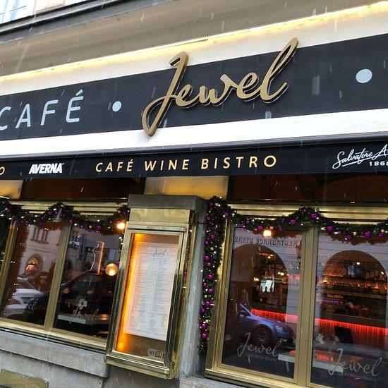 Jewel caf bar praga star m sto citt vecchia for Design hotel jewel prague tripadvisor
