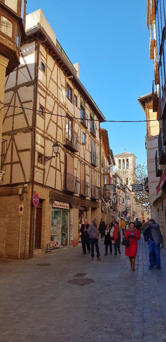 Calle Santo Tome