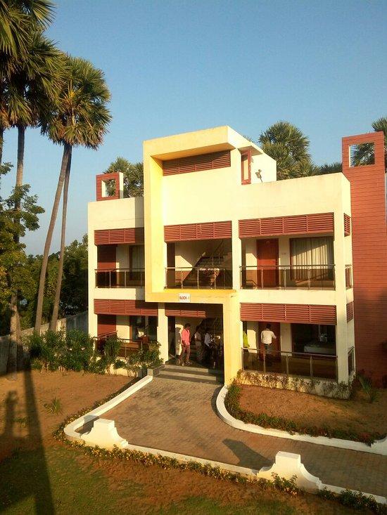 GOLDEN BAY RESORTS (Chennai) - Hotel Reviews, Photos, Rate