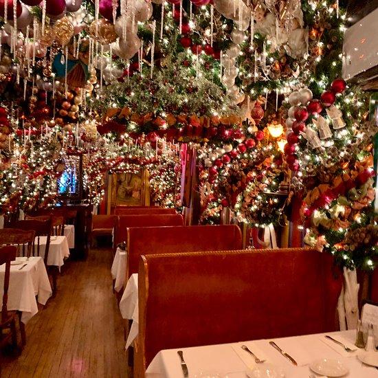 Christmas Restaurant.Rolf S Bar Restaurant New York City Gramercy Park