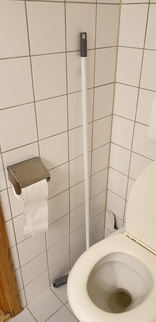 Svaber, så man kan sveipe over gulvet hvis det er blitt vått etter dusjing.
