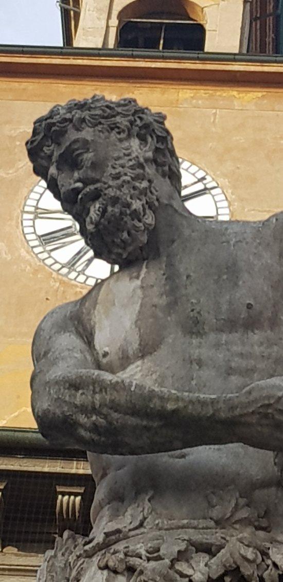 Statua del Crostolo