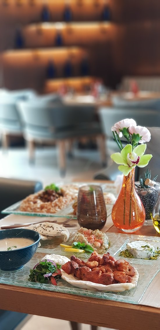 Alwadi Hotel Doha MGallery is introducing a Business Lunch Menu at SOFRA restaurant for QAR 90.00.  Available Sunday to Thursday from 12:00 PM – 4:00 PM