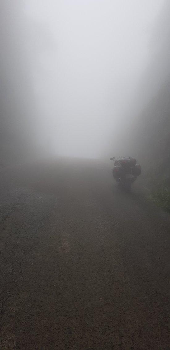Lugar incrível. Experiência ímpar! Ocorrência de neblina e chuvas tornam o passeio mais marcante. Todo o cuidado é pouco. Paisagens deslumbrantes.