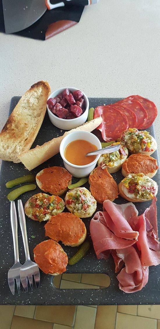 Assiette de tapas catalane  à partager ;