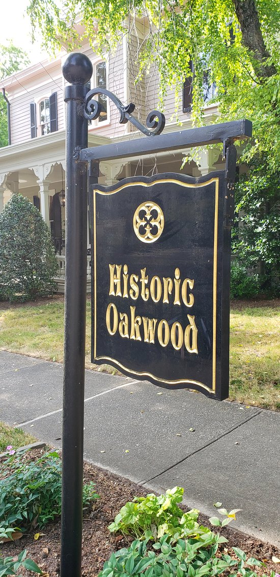 Oakwood Christmas Tour 2019 Historic Oakwood (Raleigh)   2019 All You Need to Know BEFORE You