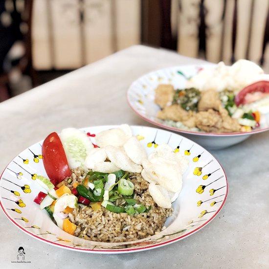 Qq Kopi Tiam Jakarta Cilandak Restaurant Reviews Photos Phone Number Tripadvisor