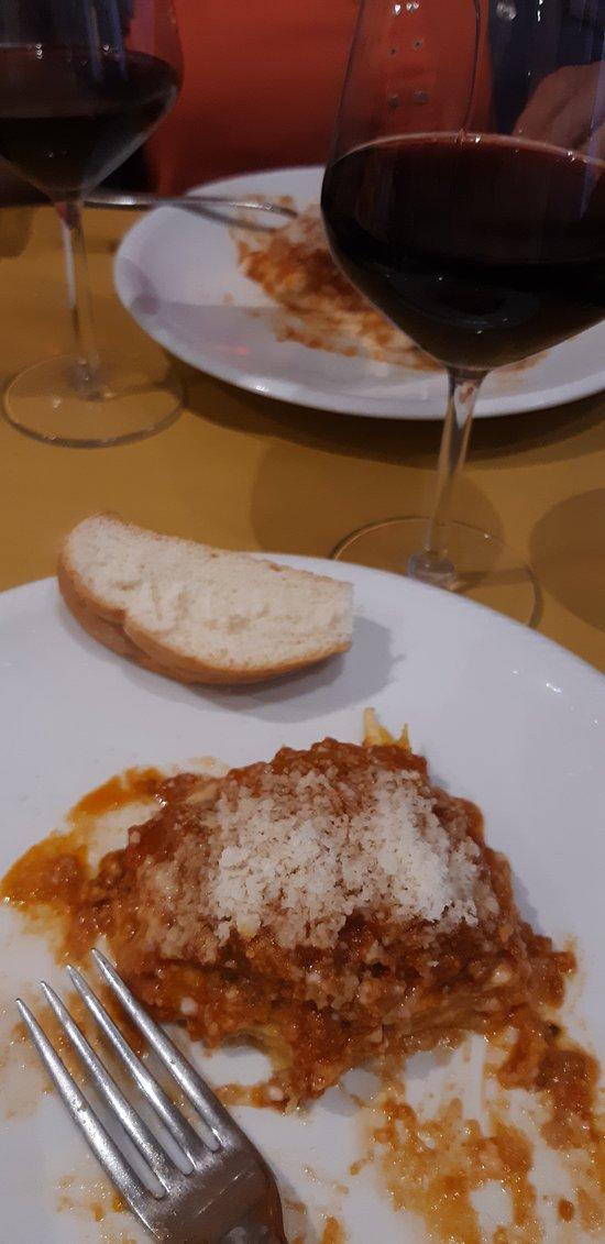 Lasagna & Wine