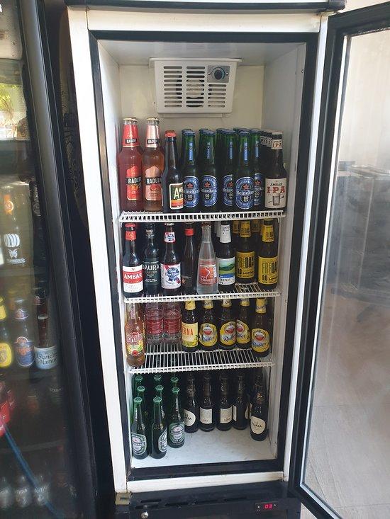 Contamos con la mejor variedad de cervezas de la zona. Artesanales, de importación, tostadas, negras...