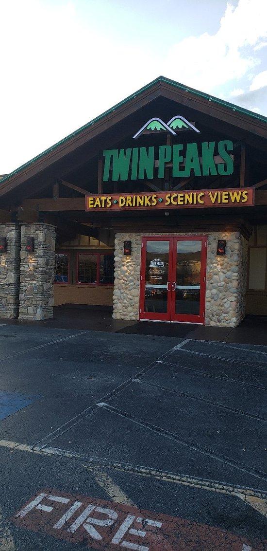 Best restaurant and bar