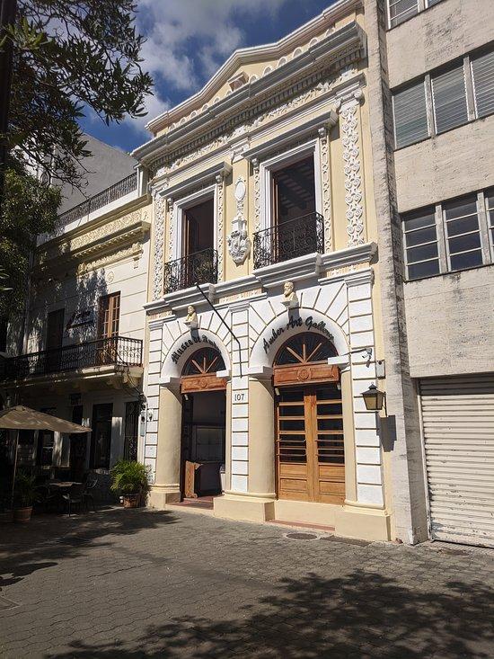 Amber Museum Agios Dominikos Dominikanh Dhmokratia Kritikes