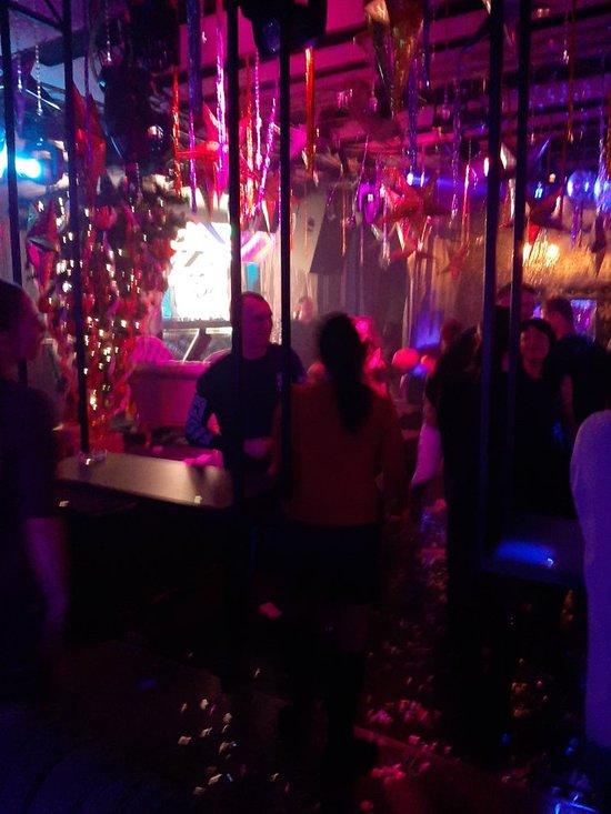 Ночной клубы в тирасполе стриптиз бары питер