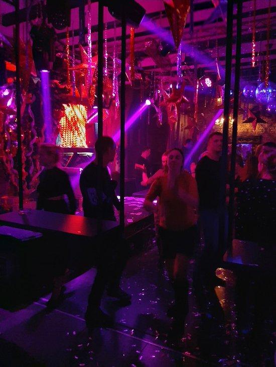 Ночной клубы в тирасполе российские эротические шоу видео