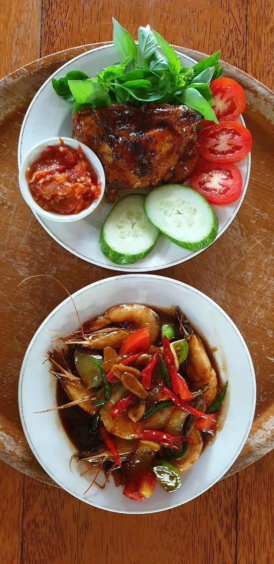 Dining @ Kampong Dedaun